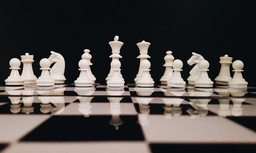 Risultati immagini per chess lesson