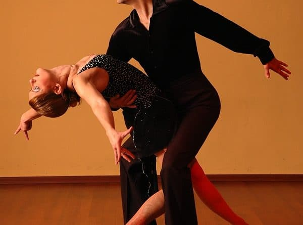 5 Best Salsa Courses and Classes Online [2020]